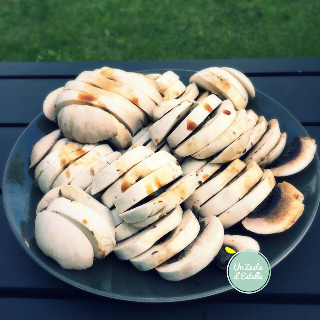 les champignons arrosés de sauce soja