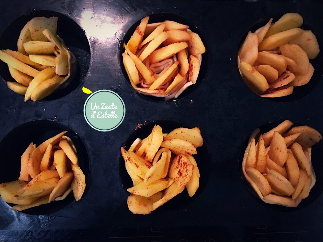 les roses feuilletées aux pommes dans leur moule