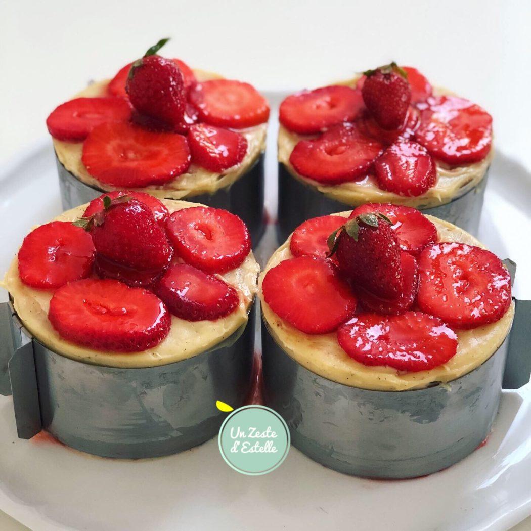 Fraisier sans lactose : dessinez une fleur avec des rondelles de fraises