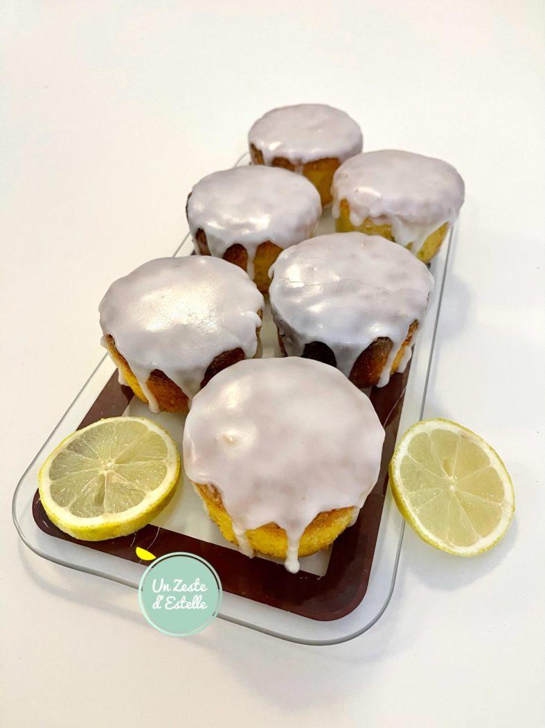 Voilà ! Vos mini cakes au citron sans gluten sont prêts à être dégustés !